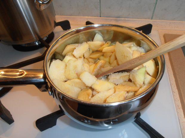 Torcik jabłkowo-pistacjowy