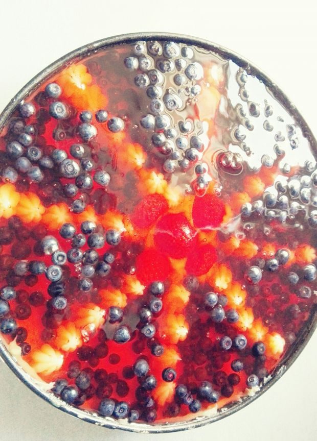Torcik jagodowy