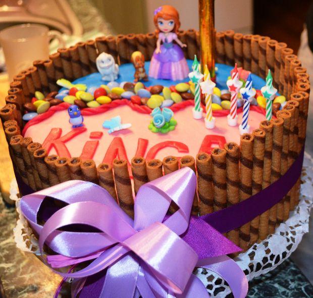 Tort bezowo kakaowy