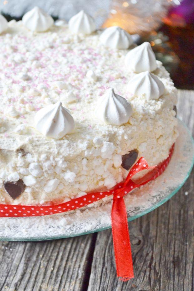 Tort chałwowo-czekoladowy z bezami