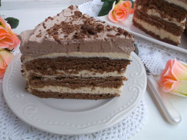 Tort czekoladowo - chałwowy