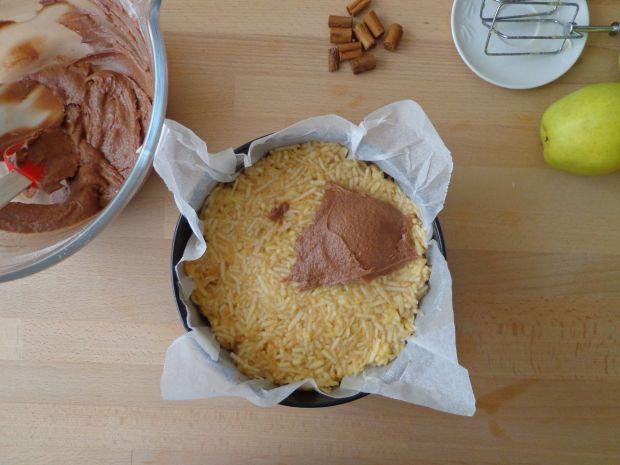 Tort czekoladowo-jabłkowy