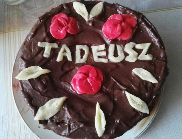 Tort czekoladowo - jagodowy