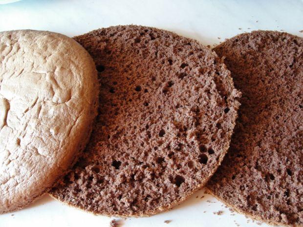 Tort czekoladowy z kokosem i owocami