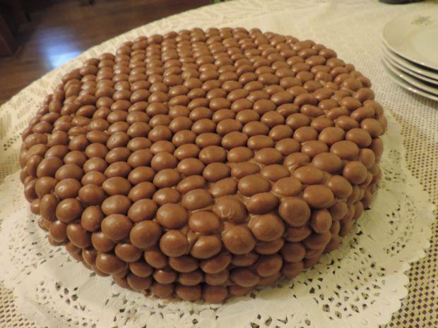Tort czekoladowy z Malteserami