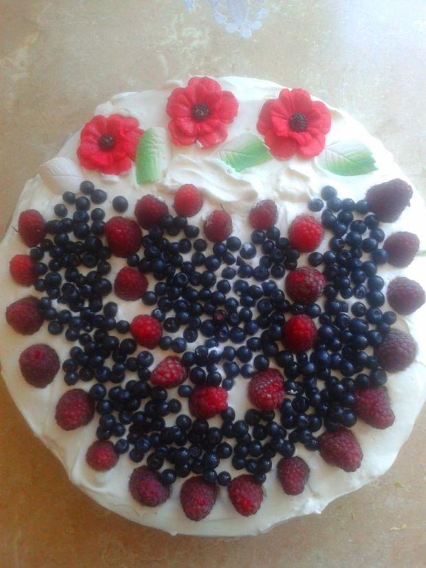 Tort jagodowo-malinowy