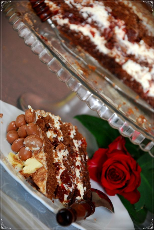 Tort kawowy z masą mascarpone