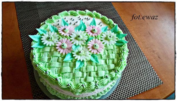 Tort kwiecisty koszyczek