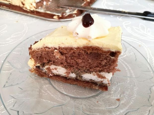 Tort makowo bezowy