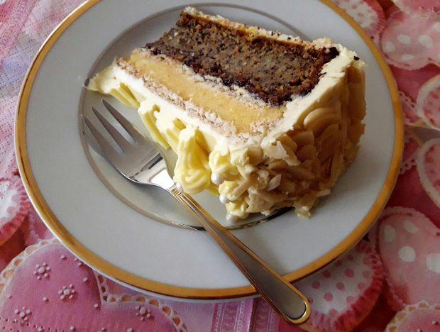 Tort makowo-mannowy z marchewką i dynią