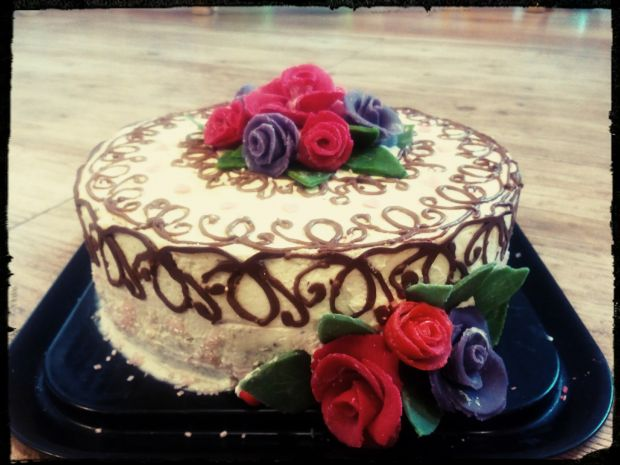 Tort makowy urodzinowy