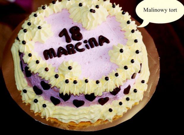 Tort malinowy urodzinowy