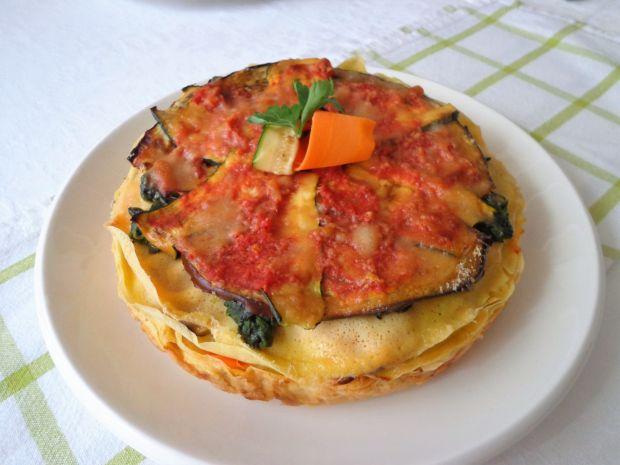 Tort naleśnikowy z grillowanymi warzywami