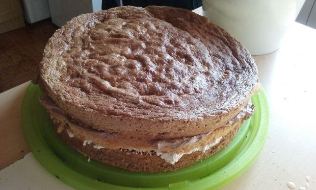 Tort orzechowo-kakaowy na 50-tkę