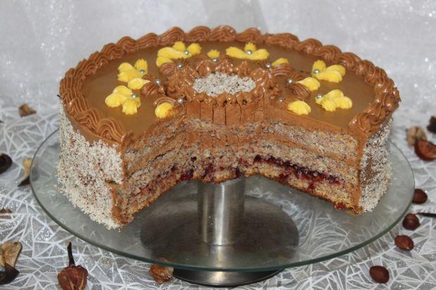 Tort orzechowy z kremem mega czekoladowym