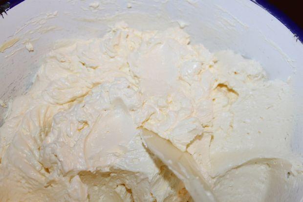 Tort owocowy-jogurtowy