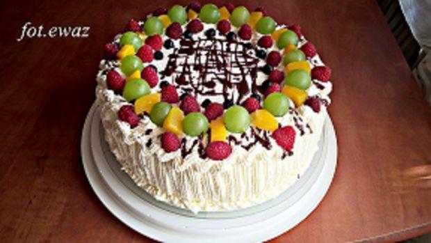 Tort owocowy z czekoladą