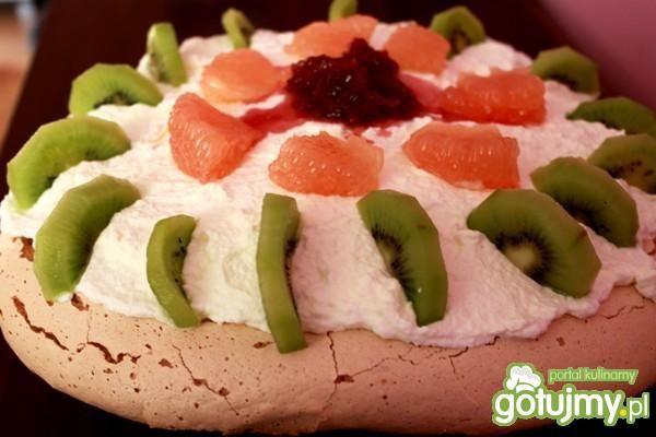 Tort Pavlova z grejpfrutem