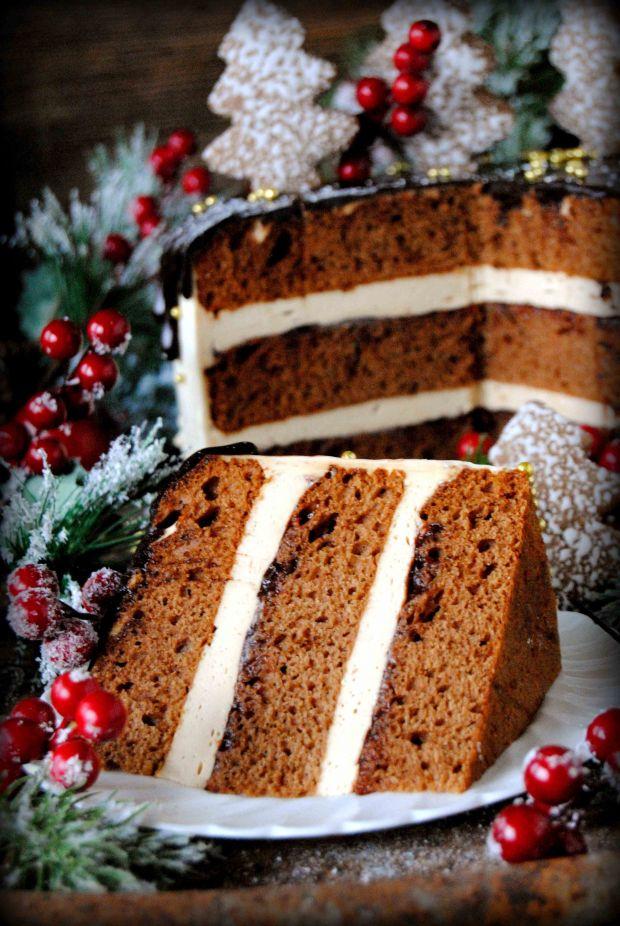 Tort piernikowo- kajmakowy