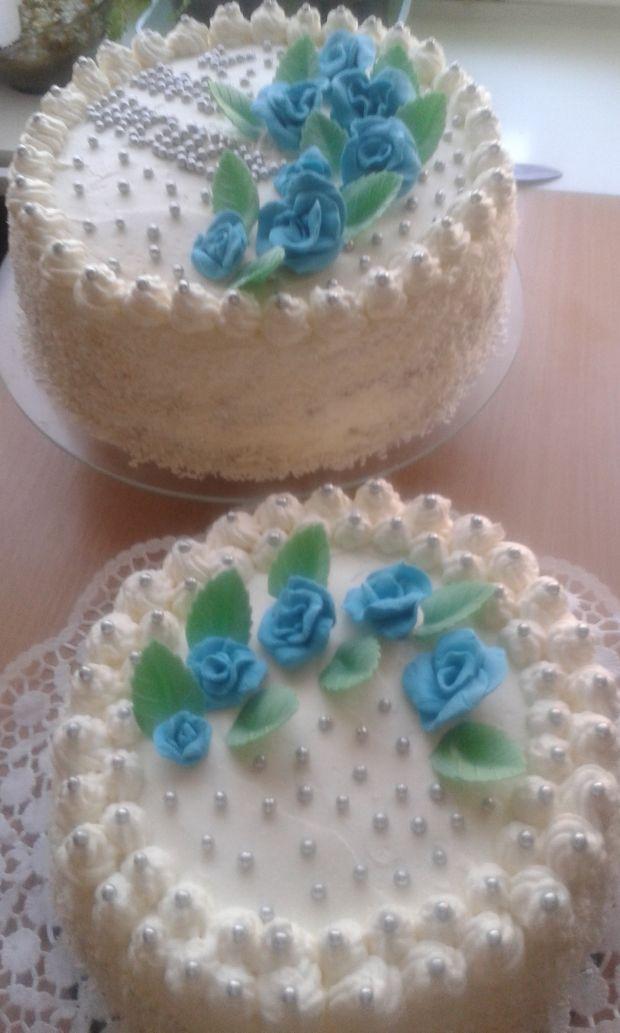Tort śmietankowo - brzoskwiniowy i tort ..........
