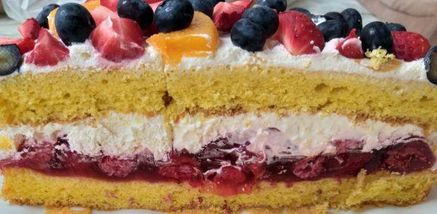 Tort śmietanowo-owocowy