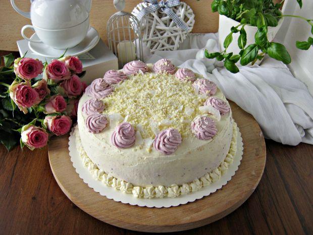 Tort śmietanowo porzeczkowy