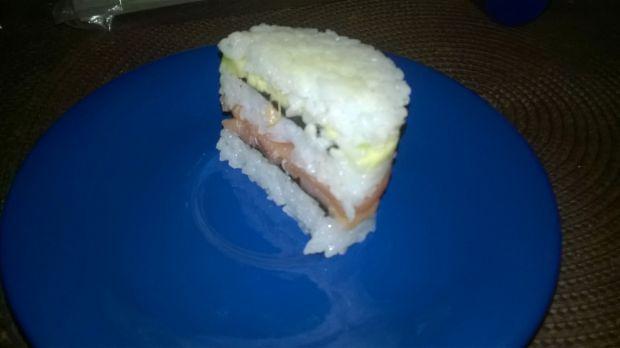 Tort sushi dla każdego otaku