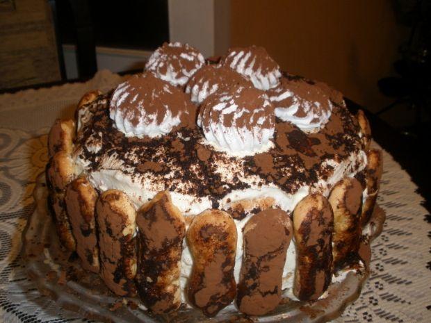 Tort tiramisu z bezikami