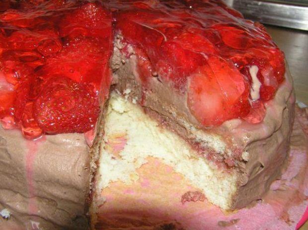 Tort truskawkowo czekoladowy