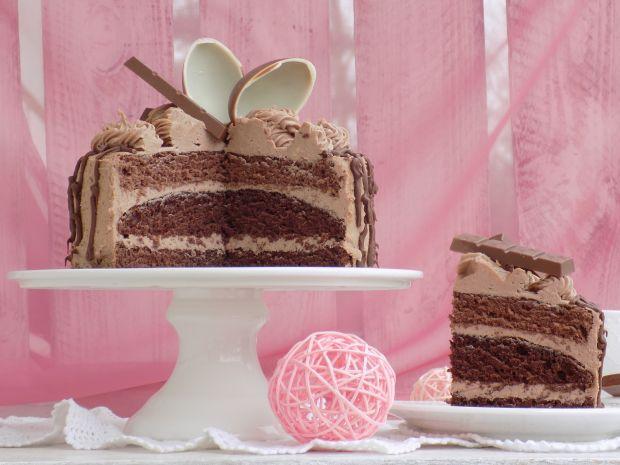 Tort urodzinowy z czekoladkami