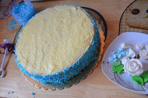 Tort z masą malinową