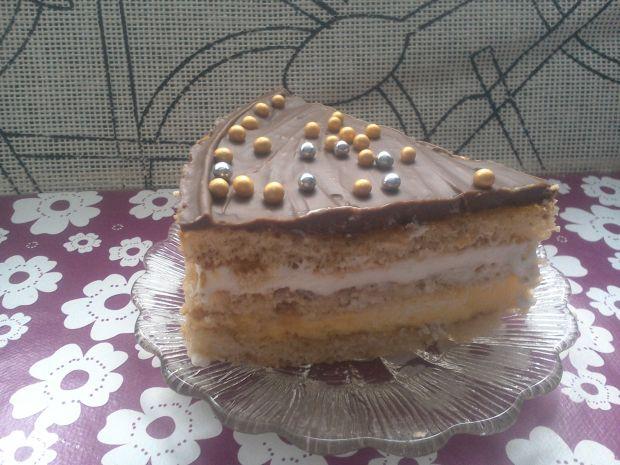 Tort z różnymi masami