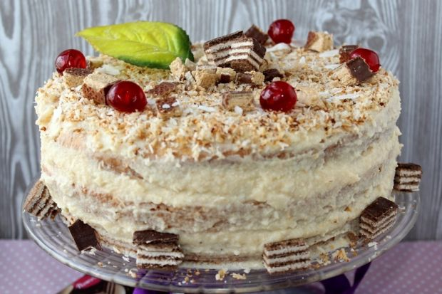 Tort z wafelkami i kokosowym kremem z kaszy manny