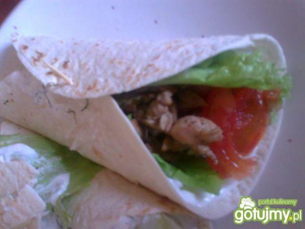 Tortilla Benus z indykiem i warzywami