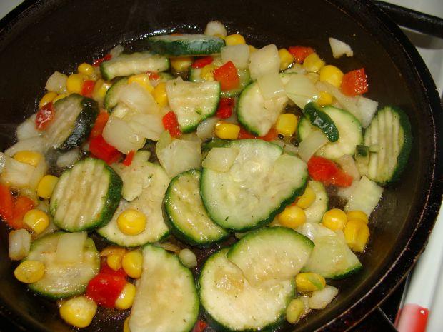 Tortilla z kurczakiem i warzywami