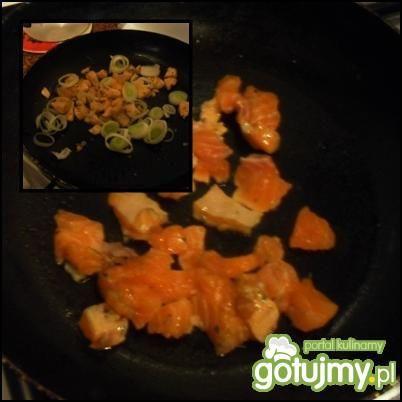 Tortilla z łososiem