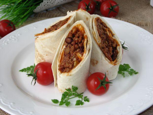 Tortilla z meksykańskim farszem