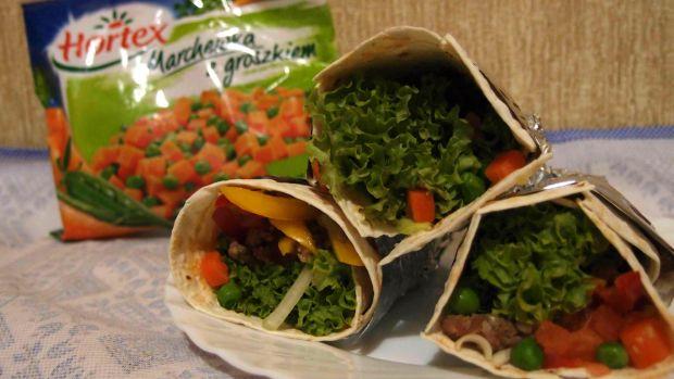 Tortilla z mięsem i warzywami
