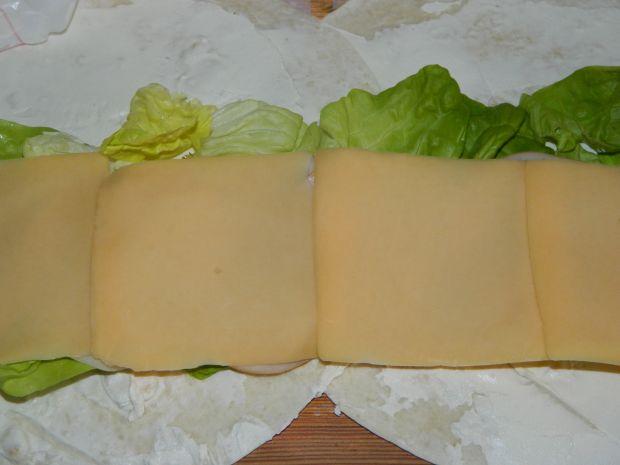 Tortilla z żółtym serem i szynką