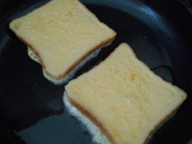 Tosty z frużeliną truskawkowo-platanową