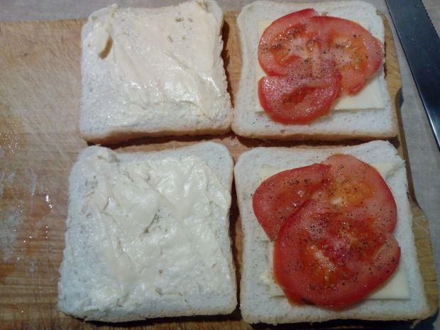 Tosty z potrójnym serem