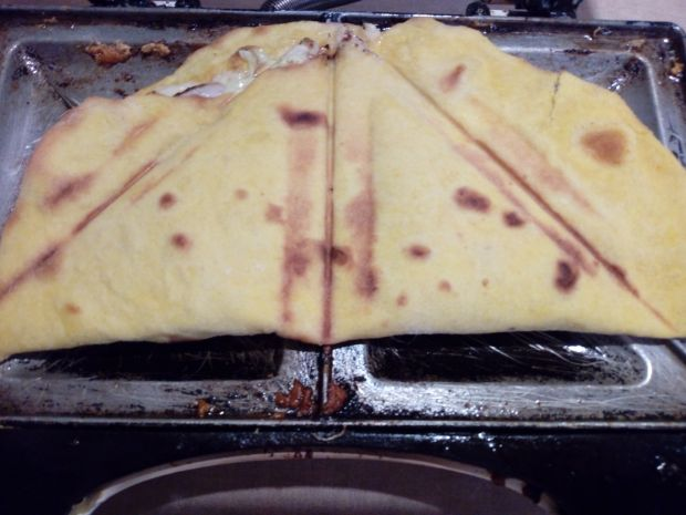 Tosty z tortilli z polędwiczka, serem i kapustą