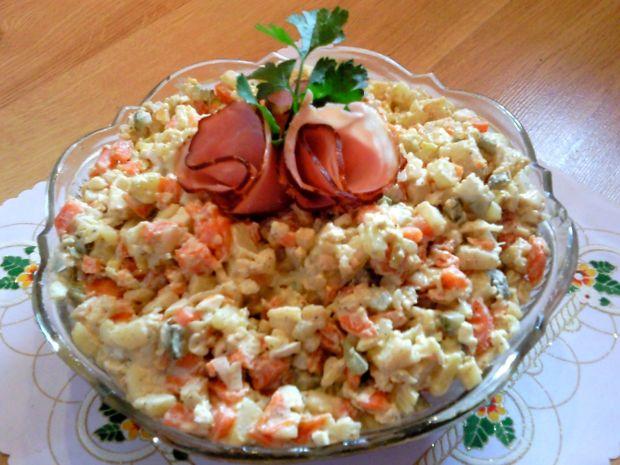 Przepis Tradycyjna Salatka Jarzynowa Z Majonezem Przepis Gotujmy Pl