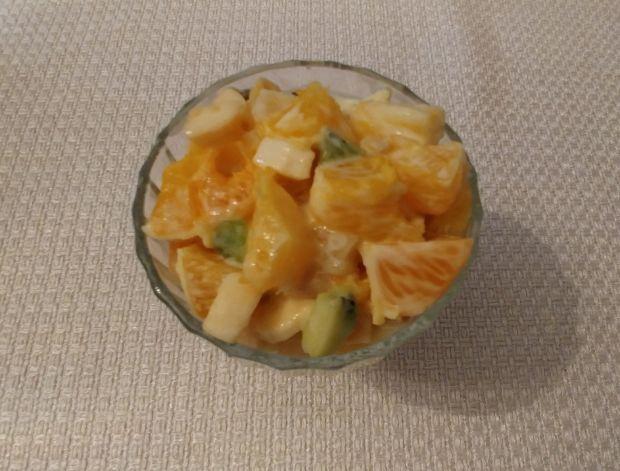 Tropikalna sałatka owocowa