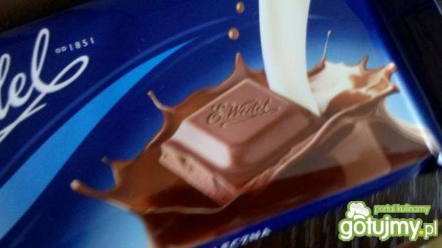 Truskawki w czekoladzie z bitą śmietaną