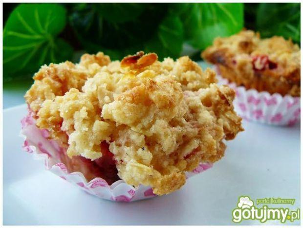 Truskawkowe muffiny z kruszonką