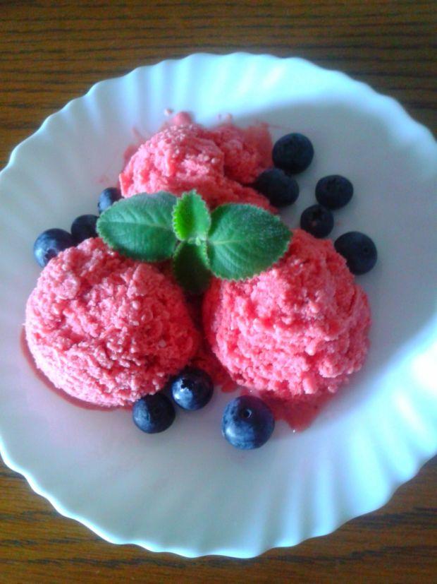 Truskawkowo-lawendowe lody jogurtowe