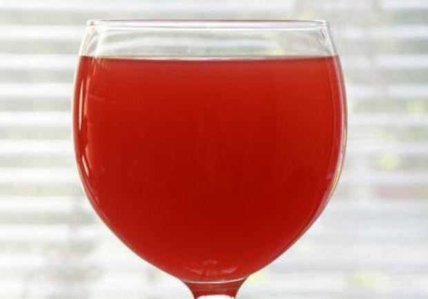 Truskawkowo-pomarańczowy lekki drink