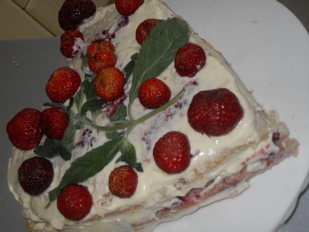 Truskawkowy tort