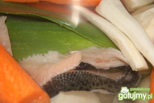 U Buni raz w miesiącu zupa rybna